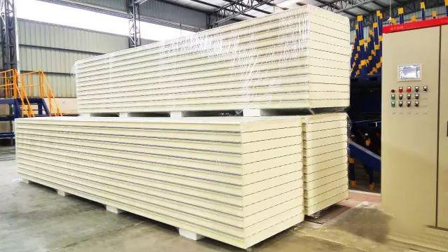 好冷库首选好冷库板,我们采用大昌连续式难燃聚氨酯冷库板!