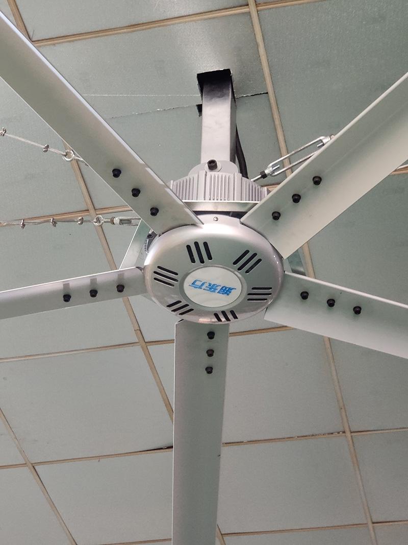 大型仓储厂房的通风竞博jbo首页方法--润东方工业大风扇