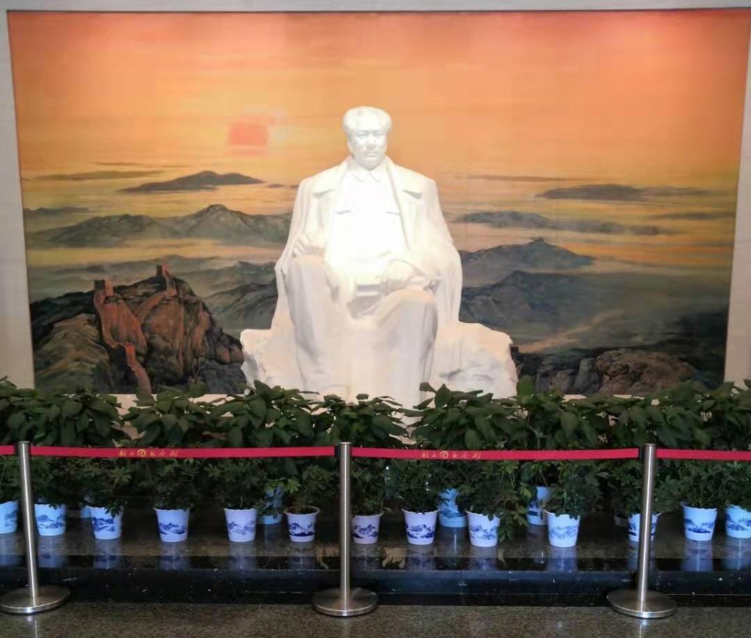 44年前的今天,一代伟人与世长辞,深切缅怀伟大领袖毛主席!